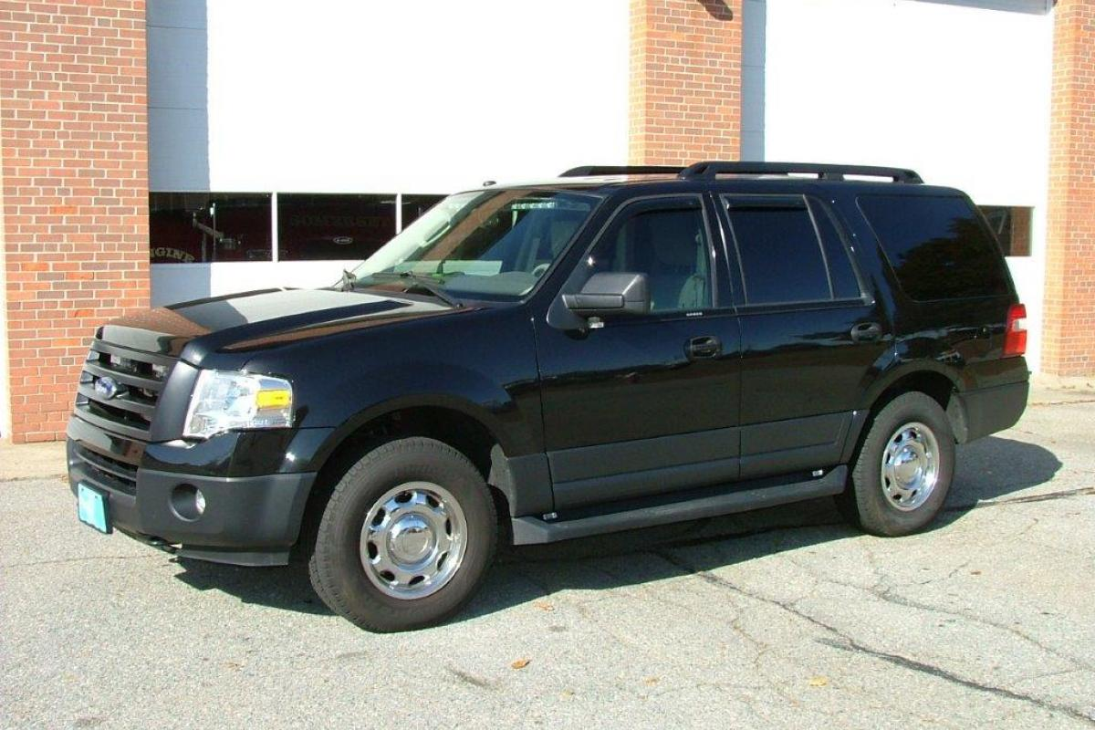 Car 1     2011 Ford Expedition